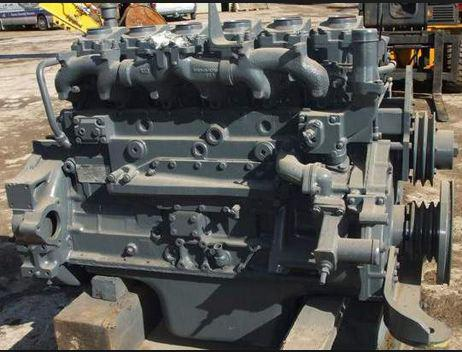 Komatsu 6D-125 engine